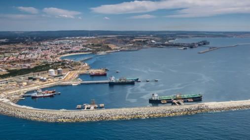64-1_Porto-de-Sines-movimenta-333-milhões-de-toneladas-1024x575