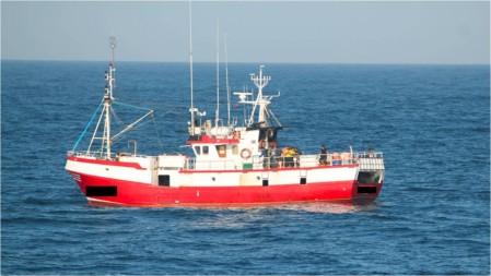 Barco-de-pesca-infrator-ao-largo-de-Sines-1024x578