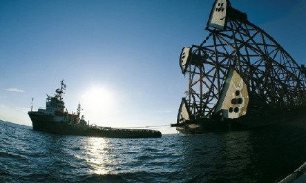 Eni-offshore-rig-transportedited-550x330