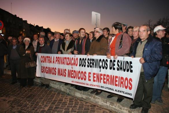 55.2008.nov_concentracao_vigilia_pela_saude_santiago_cacem_2008_(6).jpg
