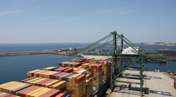 Ampliação do Terminal de contentores XXI, porto de Sines. Contentores,