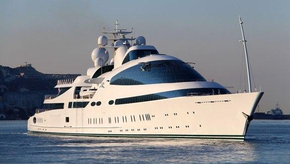 yas-yacht-01.jpg