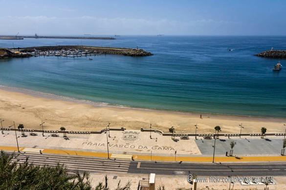 Praia-Vasco-da-Gama-Sines.jpg