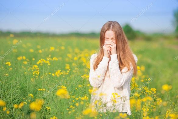 depositphotos_111623236-stock-photo-pollen-allergy-girl-sneezing-in