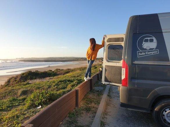 Susana-autocaravana-Indie-Campers-Sao-Torpes-Sines-Portugal-©-Viaje-Comigo.jpg
